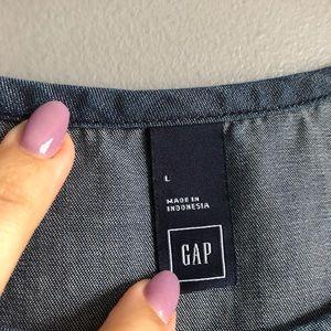 GAP Tops - Gap • Chambray Denim Top